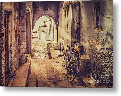 A Passage In India Metal Print by Catherine Arnas