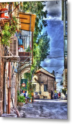 A Picturesque Street Metal Print by Uri Baruch