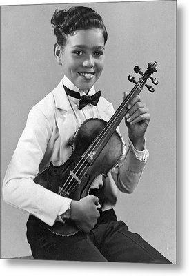 A Proud And Elegant Violinist Metal Print