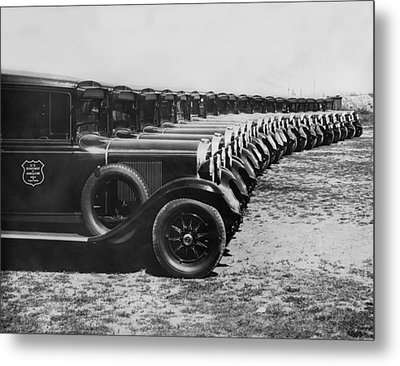 A Row Of Graham Automobiles Metal Print by Underwood Archives