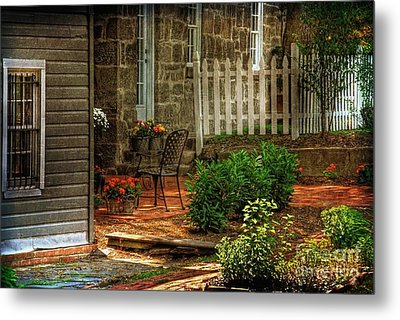 A Seat In The Shade Metal Print by Lois Bryan
