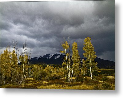 Metal Print featuring the photograph A Stormy Day At The Peaks by Tom Kelly