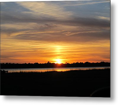 Metal Print featuring the photograph A Sweet Closure To Day by Joetta Beauford