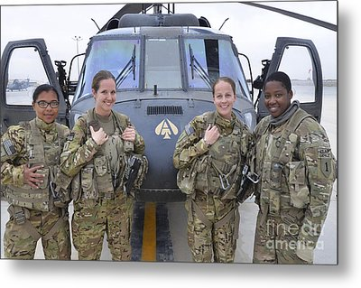 A U.s. Army All Female Crew Metal Print by Stocktrek Images