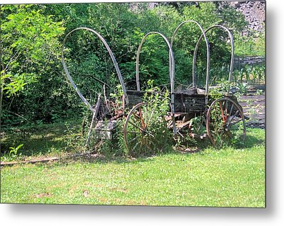 Metal Print featuring the photograph Abandoned by Gordon Elwell