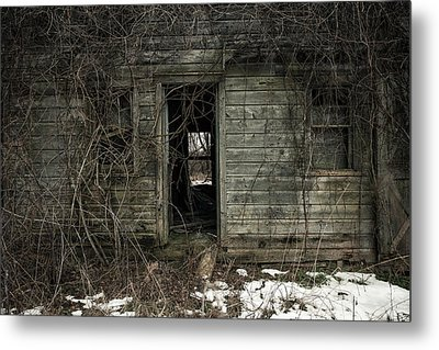 Abandoned House - Enter House On The Hill Metal Print by Gary Heller