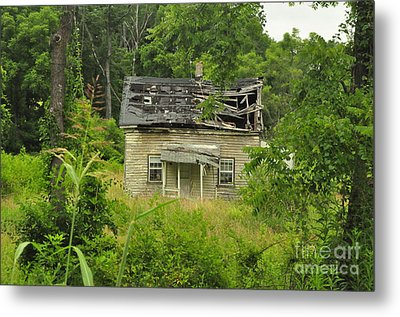 Abandoned House Metal Print by Mike Baltzgar