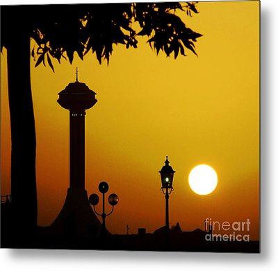 Metal Print featuring the photograph Abu Dhabi by Andrea Anderegg