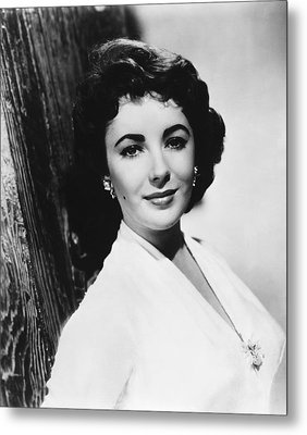 Actress Elizabeth Taylor Metal Print by Underwood Archives
