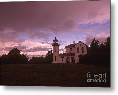 Admiralty Head Lighthouse, Wa Metal Print by Bruce Roberts