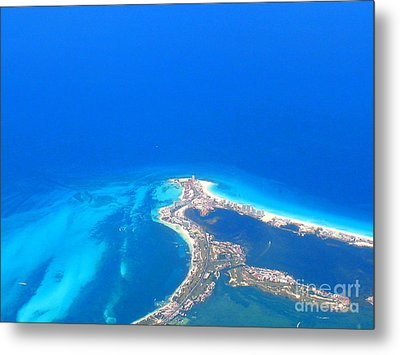 Metal Print featuring the photograph Aerial View Of Cancun by Patti Whitten