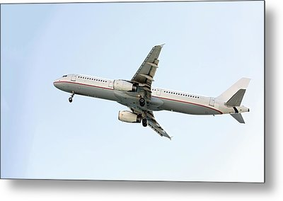 Aeroplane In Sky Metal Print by Wladimir Bulgar