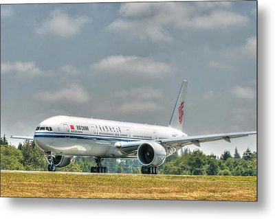 Metal Print featuring the photograph Air China 777 by Jeff Cook