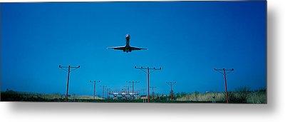 Airplane Landing Philadelphia Metal Print by Panoramic Images