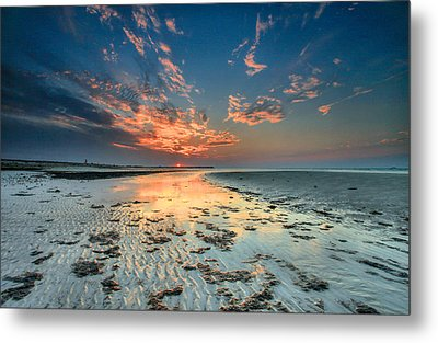 Metal Print featuring the photograph Al Hamra Sunset by Robert  Aycock