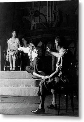 Alfred Lunt On Stage With Lynne Fontanne Metal Print