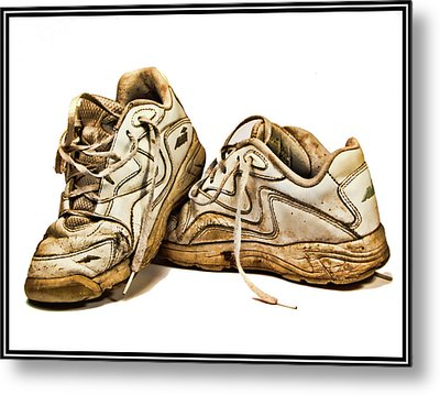 All Worn Out Metal Print by Ron Roberts
