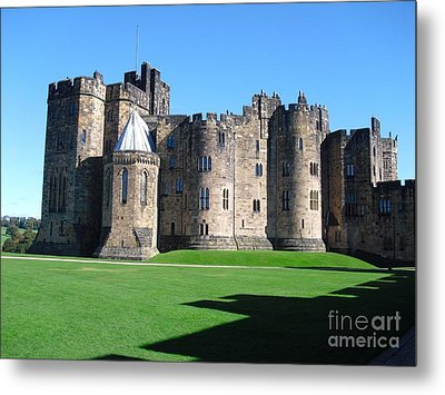 Metal Print featuring the photograph Alnwick Castle Castle Alnwick Northumberland by Paul Fearn
