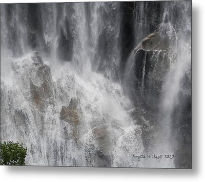 Metal Print featuring the digital art Amazing Waterfall by Angelia Hodges Clay