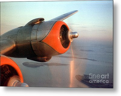 American Airlines Douglas Dc-6 Propellers In Flight Metal Print