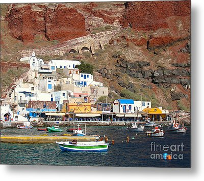 Amoudi Bay Metal Print by Suzanne Oesterling