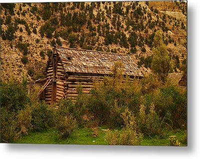 An Old Cabin In Utah Metal Print by Jeff Swan