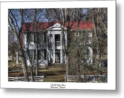 An Old White House Brentwood Tn Metal Print by Gina Munger