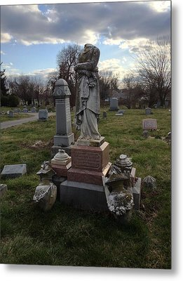 Angel Of Eastern Cemetery Metal Print by Andrew Martin