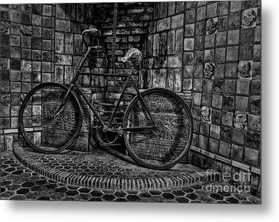 Antique Bicycle Bw Metal Print by Susan Candelario