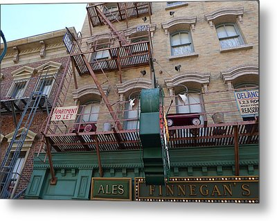 Apartment To Let At Finnegans Metal Print by Richard Reeve