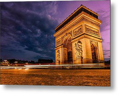 Arc De Triomphe At Dusk In Paris Metal Print by James Udall