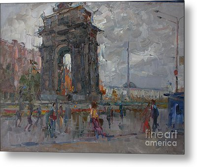 Arc De Triomphe. Moscow Metal Print by Ilya  Izyumov