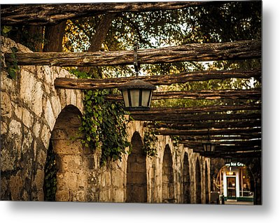 Arches At The Alamo Metal Print by Melinda Ledsome