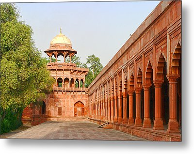 Architecture At Taj Mahal Complex Metal Print