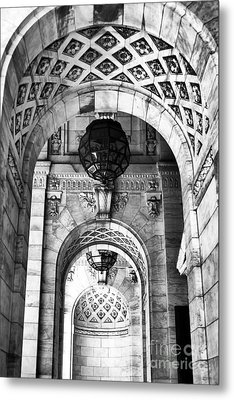 Archways At The Library Bw Metal Print by John Rizzuto