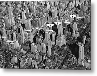 Army Air Corp Over Manhattan Metal Print by Underwood Archives
