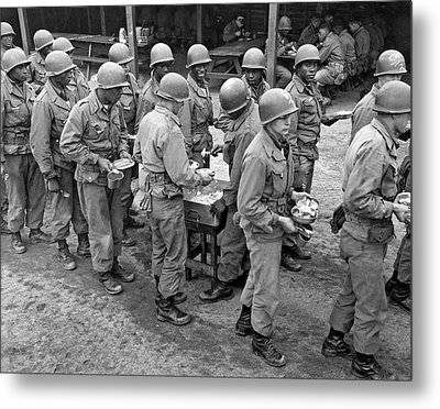 Army Chow Line Metal Print by Underwood Archives