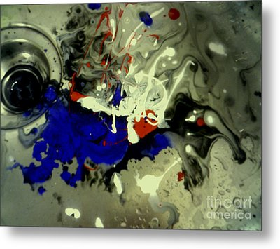 Art In A Sink Metal Print by Kelly Awad
