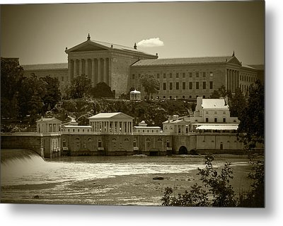 Art Museum And Fairmount Waterworks - Bw Metal Print by Lou Ford