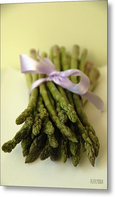 Asparagus With Purple Ribbon Metal Print by Beverly Brown