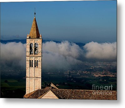 Metal Print featuring the photograph Assisi - 4 by Theresa Ramos-DuVon