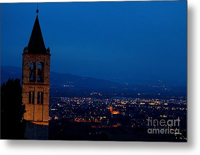 Metal Print featuring the photograph Assisi 5 by Theresa Ramos-DuVon