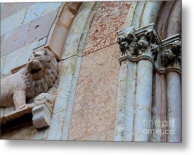 Metal Print featuring the photograph Assisi -6 by Theresa Ramos-DuVon