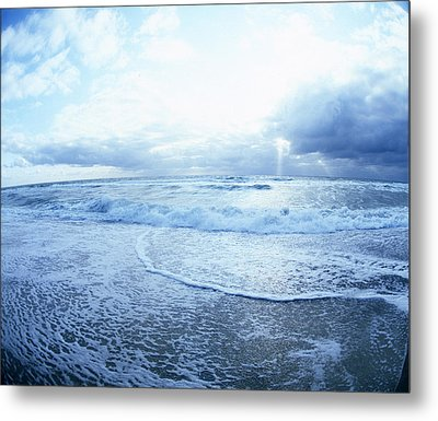 Atlantic On The Rise Metal Print
