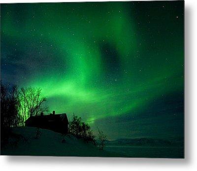 Aurora Over Lake Tornetrask Metal Print by Max Waugh