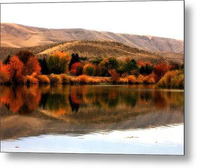 Autumn Glow On The Yakima River Metal Print by Carol Groenen