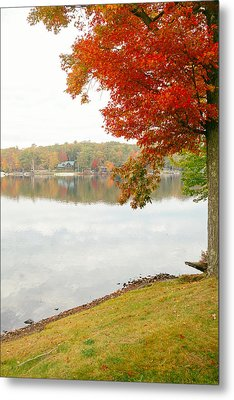 Autumn Morning At The Lake - Pocono Mountains - Pennsylvania Metal Print by Vivienne Gucwa