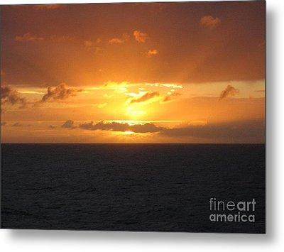 Metal Print featuring the photograph Bahamas Ocean Sunset by John Telfer