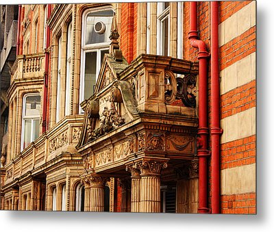 Balcony On Surrey Street Metal Print by Nicky Jameson