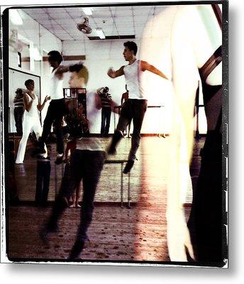 Ballet Doble Metal Print by Ann Tracy